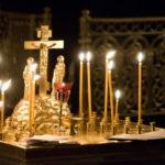 В храмах Всехсвятского благочиния Саратовской епархии совершаются панихиды по погибшим в авиакатастрофе в акватории Черного моря близ Сочи
