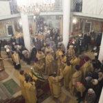 Архиерейское служение Божественной литургии в храме во имя Всех Святых, в земле Российской просиявших