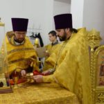 Совершены чин положения антиминса и первая Божественная Литургия в новом храме во имя святой великомученицы Екатерины