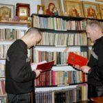 В тюремную библиотеку передали духовную и художественную литературу