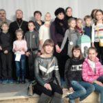 Воспитанники воскресных школ и участники молодежного движения храмов Всехсвятского благочиния посетили спектакль «Звонари»